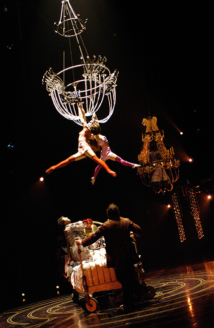 speech cirque du soleil Cirque du soleil returned to performances on friday in new jersey, offering a tribute to the aerialist who died last month on stage it was the first show since the march 17 accident that claimed.